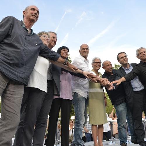 Junts pel Sí presenta la campaña 'Hazte candidato por el sí' con el objetivo de obtener 13.500 apoyos.