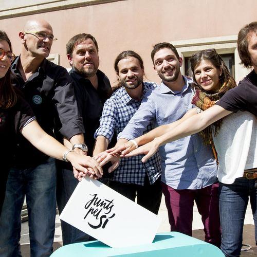 Raül Romeva y Oriol Junqueras animan a los jóvenes a movilizarse a favor del Sí