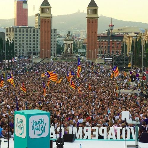 Más de 70.000 personas celebran el acto político más multitudinario de los últimos años en el Estado español y en Europa