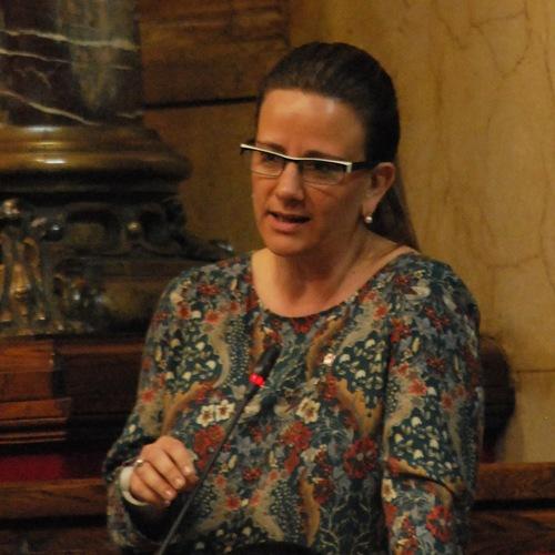 """Anna Figueras: """"Un dels principals objectius de JxSí és l'impuls de polítiques socials per eradicar la vulnerabilitat"""""""