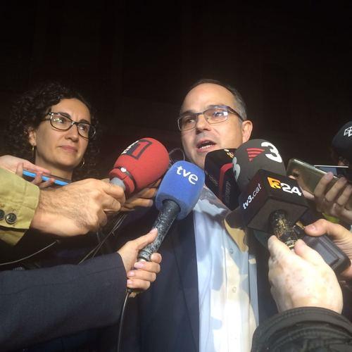 """JxSí dóna suport a la presidenta Forcadell i afirma que estem davant """"un atac a les institucions i a la democràcia"""""""