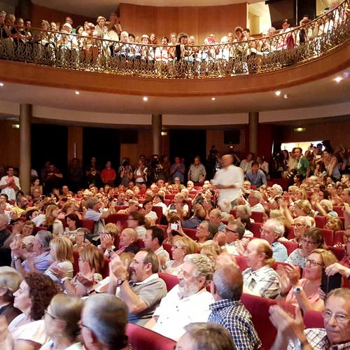 Junts pel Sí desborda el teatro Ceretà de Puigcerdà