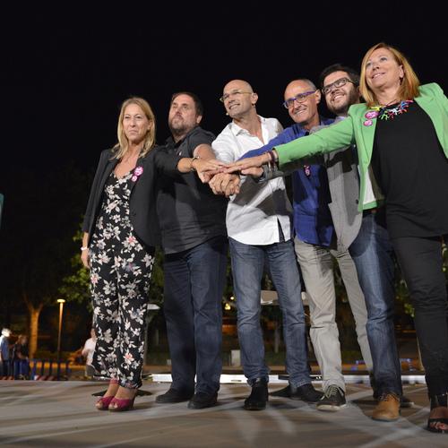 Más de 2.500 personas se reúnen en el acto de Junts pel Sí en Mataró