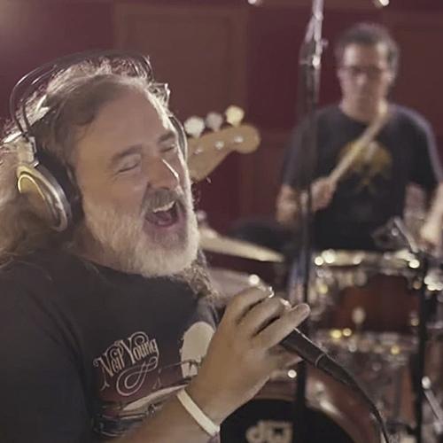 Junts pel Sí presenta la cançó 'Més lluny', una versió del 'Viatge a Ítaca' de Lluís Llach