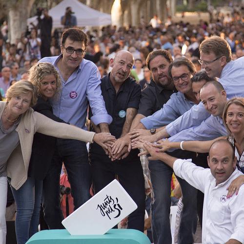 El acto central de Terres de l'Ebre llena Tortosa con más de 2.500 personas